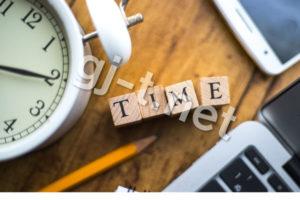 時計とパソコンとスマホ
