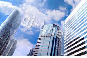 都会のビルと青空