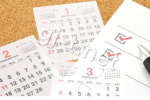カレンダーとコルクボード